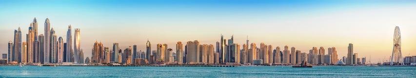 Jumeirah miejscowości nadmorskiej panorama, Dubaj, Jan 2018 obraz stock