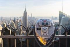 Jumelles de tour faisant face à l'horizon de Manhattan à New York City Image stock