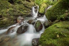 Jumog-Wasserfall bei Karanganyar, Jawa Tengah, Indonesien stockfotos