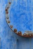Junção de tubulação azul oxidada Fotos de Stock