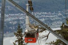 Juneau Alaska van MT Roberts met tramspoor Stock Foto's