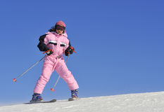 Jung girl skiing Stock Photography