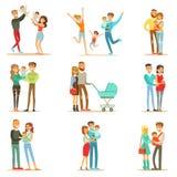 Jung und Eltern mit kleinen Babys und Kleinkindern Serie von glücklichen vollen Familien-Porträts erwartend Lizenzfreies Stockbild
