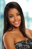 Junge Afroamerikaner-Geschäftsfrau Stockfoto