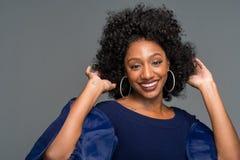 Junge Afroamerikanerfrau stockfotos