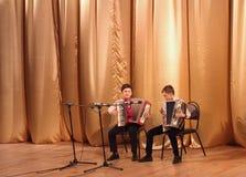 Junge Akkordeonspieler Stockfotos