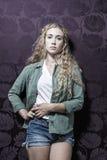 Junge amerikanische blonde weibliche Mode Lizenzfreies Stockfoto