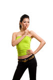 Junge asiatische Frau, die Spaß mit Lutscher hat Lizenzfreies Stockbild