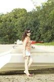 Junge asiatische Frau im Sommer Lizenzfreies Stockbild