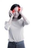 Junge asiatische Geschäftsfrau erhielt krank und Kopfschmerzen lizenzfreie stockfotos