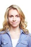 Junge attraktive blonde Frau Lizenzfreies Stockfoto