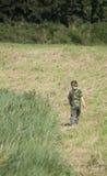 Junge auf dem Gebiet Stockbilder