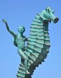 Junge auf dem Seahorse Lizenzfreies Stockfoto