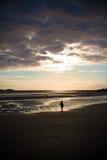 Junge auf dem Strand Lizenzfreies Stockfoto