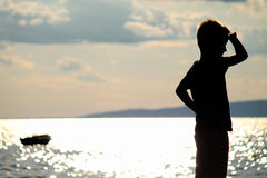 Junge auf dem Strand Lizenzfreie Stockfotografie