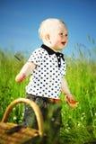 Junge auf Picknick Stockbild
