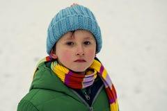 Junge auf Schnee Lizenzfreies Stockfoto