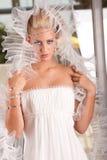 Junge blonde Braut Stockfoto