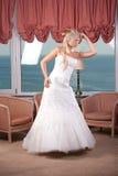 Junge blonde Braut Lizenzfreie Stockfotografie