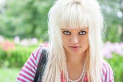 Junge blonde Frau Stockbilder