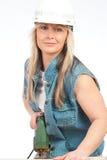 Junge blonde Frau arbeitet Lizenzfreie Stockfotos