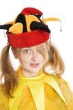 Junge blonde Frau in der Schutzkappe des Dummkopfs Lizenzfreie Stockfotografie