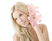 Junge blonde Frau mit der Lilie getrennt Lizenzfreies Stockbild
