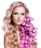 Junge blonde Frau mit gesunder Haut Stockfotos