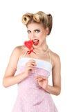 Junge blonde Frau mit Retro Make-up Lizenzfreie Stockbilder
