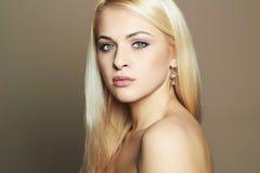 Junge blonde Frau Schönes Mädchen Stockbilder