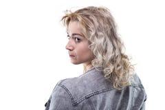 Junge blonde Frau von der Rückseite Stockfoto