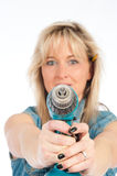 Junge blonde Frauenarbeiten Lizenzfreies Stockfoto