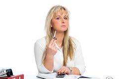 Junge blonde Geschäftsfrau ist Lizenzfreies Stockbild