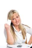 Junge blonde Geschäftsfrau ist Stockfotos