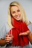 Junge blonde kranke Frau Lizenzfreies Stockbild