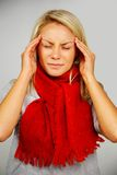 Junge blonde kranke Frau Lizenzfreie Stockfotos