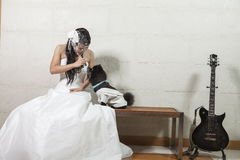 Junge Braut und Hund Stockbilder