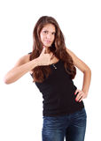 Junge Brunettefrau greift oben ab Lizenzfreie Stockfotos