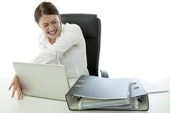 Junge BrunetteGeschäftsfrau in der Raserei Lizenzfreies Stockfoto
