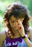 Junge Dame draußen Stockfoto