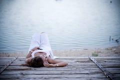 Junge deprimierte Frau Lizenzfreie Stockfotos