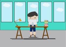 Junge, der am Computer sitzt büro studie Konzentration Lizenzfreies Stockfoto