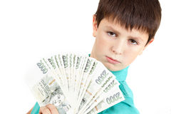 Junge, der einen Fan von den tschechischen Kronenbanknoten hält Stockfotos