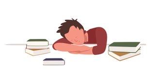 Junge, der am Schreibtisch sitzt und unter Büchern beim Vorbereiten für Schule oder Hochschulprüfung oder -test schläft oder ein  lizenzfreie abbildung