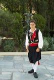 Junge in der traditionellen corfiotic Kleidung Stockbilder