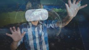 Junge, der VR-Video verwendet stock footage