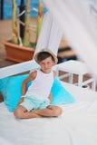 Junge in einem Hut Lizenzfreie Stockfotos