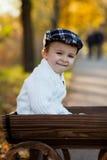 Junge in einem Wagen Lizenzfreie Stockfotografie