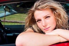 Junge erwachsene blonde Frau Stockfotos