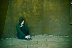 Junge Frau alleine stockbilder